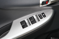 2013款卡罗拉特装版1.8L CVT至酷版GL-i