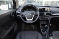 2016款宝骏630 1.5L手动舒适型