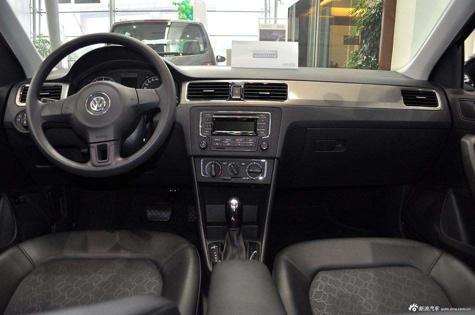 2013款新桑塔纳1.6L自动舒适型吉祥黑