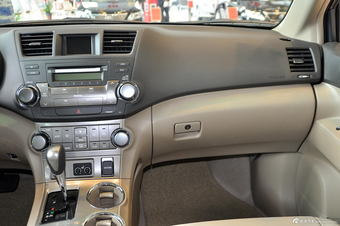 2012款汉兰达2.7L自动两驱豪华版7座