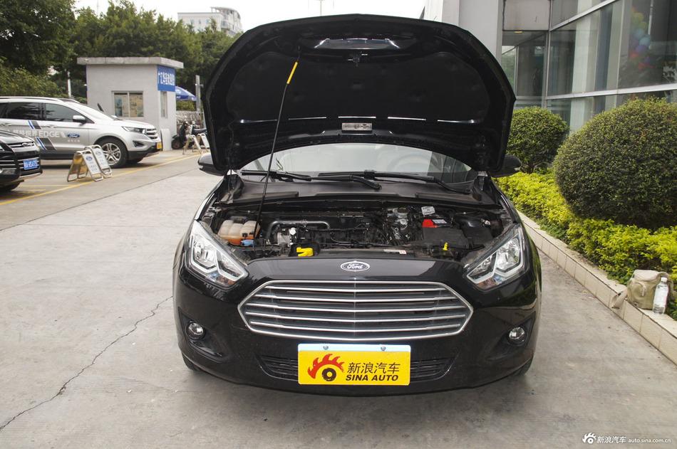2015款福睿斯1.5L手动舒适型