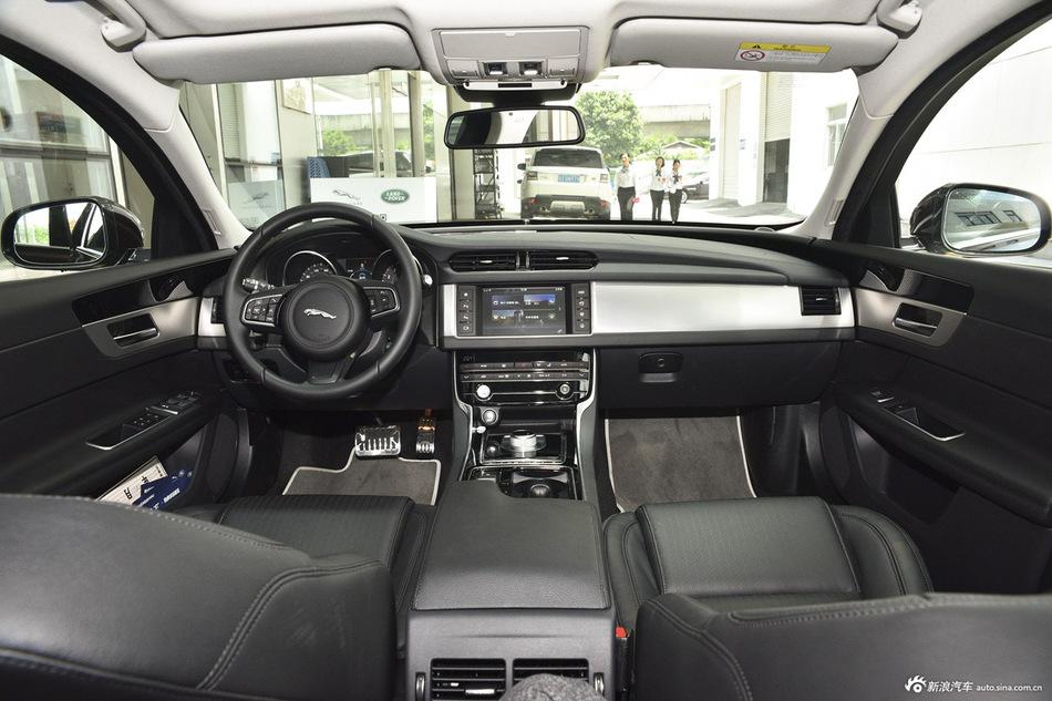 2015款捷豹XF 3.0自动SC R-Sport 风华版