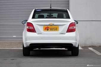 2014款爱唯欧三厢1.6L自动风尚型