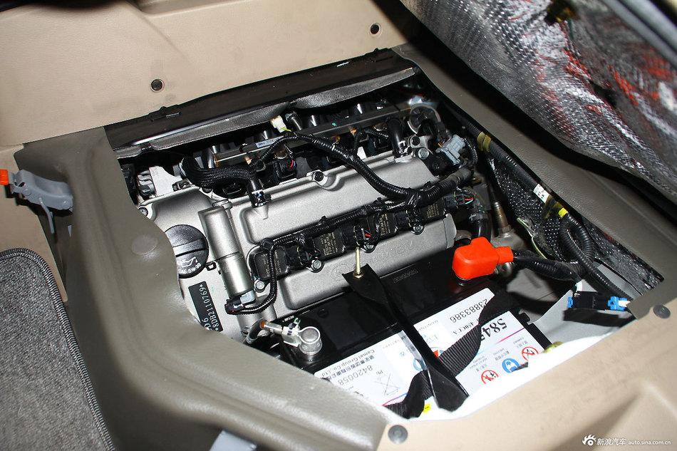 2014款五菱荣光1.2LS标准型