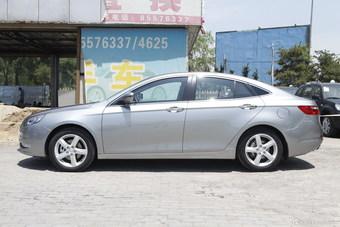 2014款奔腾B70 2.0L自动豪华型银色