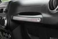 2014款牧马人2.8TD撒哈拉四门版