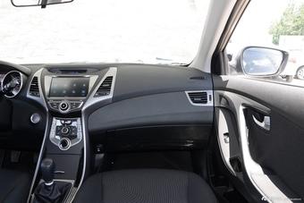 2016款朗动1.6L手动尊贵型