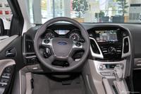 2012款福克斯三厢1.6L自动尊贵型