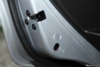 2013款赛欧三厢1.4L手动理想幸福版