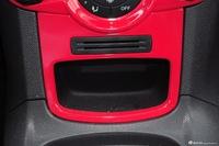 2013款嘉年华两厢1.5L自动运动型
