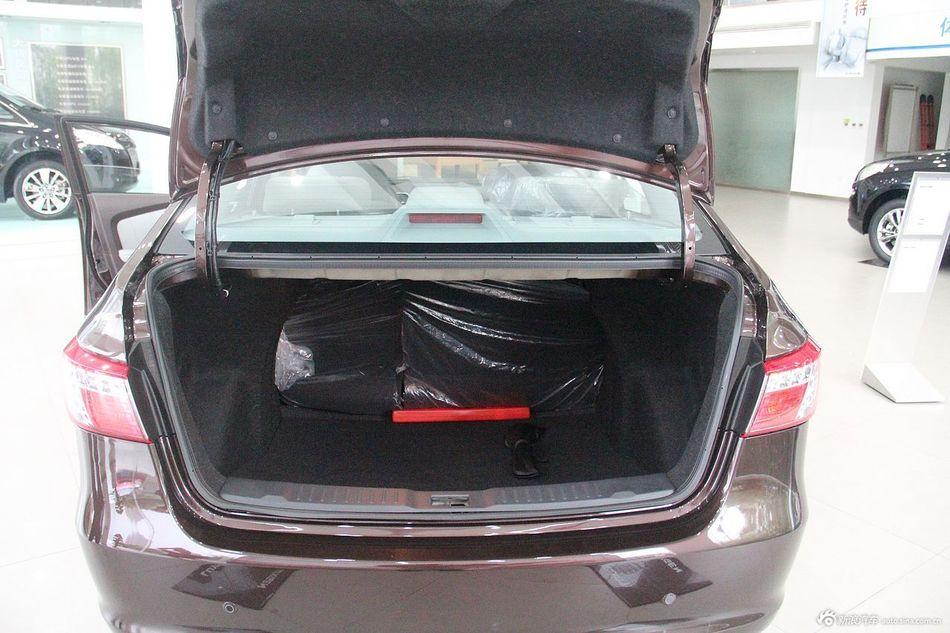 2013款纳智捷 5 Sedan 1.8T 旗舰型