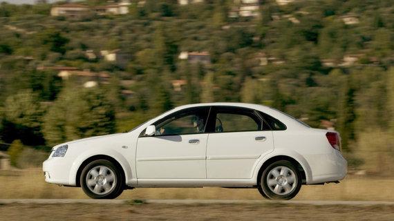 2003年中国汽车市场中最重要的新车 别克凯越