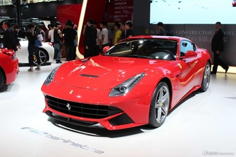 法拉利F8 Tributo和F12 Berlinetta哪个好?