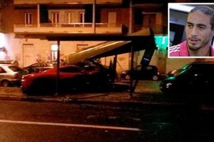 尤文大将酒驾撞毁公交站 驾照吊销法拉利受损
