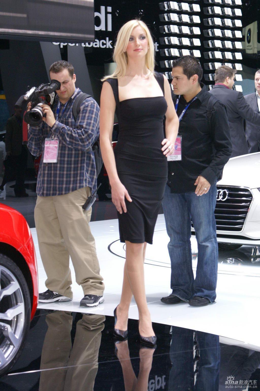 2009北美车展模特 香车美女图片
