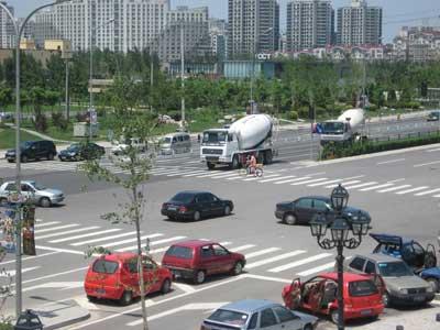 欢乐谷前红灯失明三天交通队称将联系维修部门