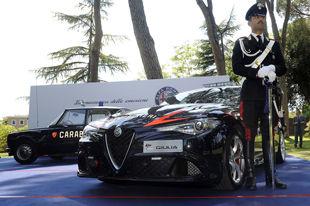 拜见510马力意大利国家宪兵队警车