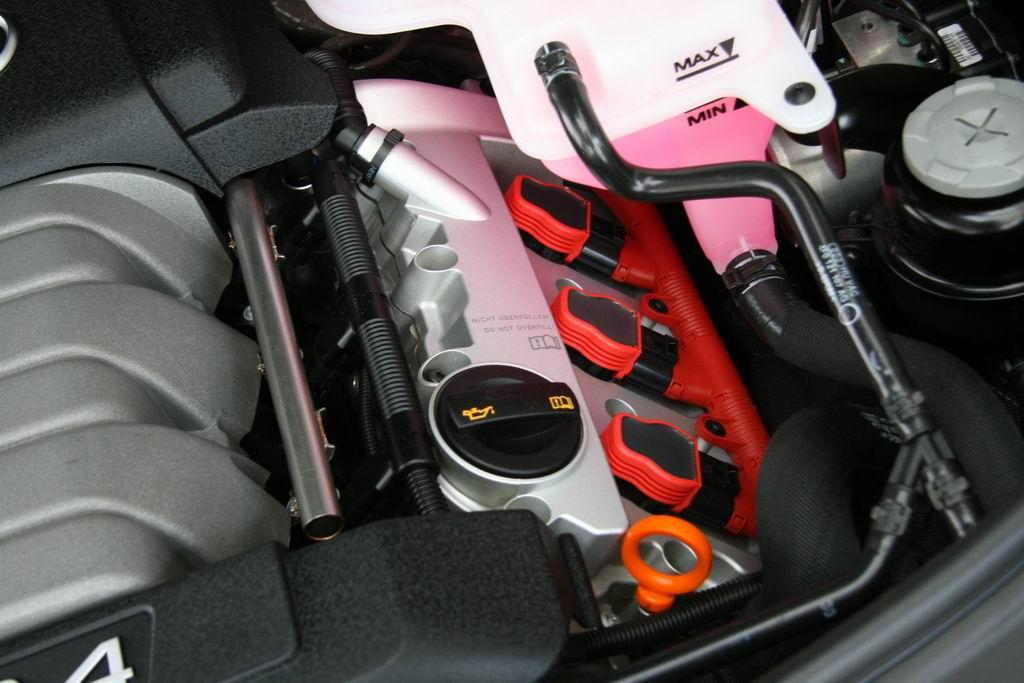 一汽大众奥迪A6L发动机 奥迪A6图片高清图片