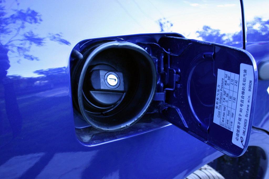 上海大众高尔油箱盖 高尔图片29765 汽车图库 新浪汽车高清图片