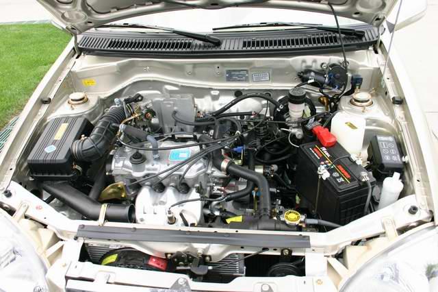 夏利N3发动机 11 12高清图片