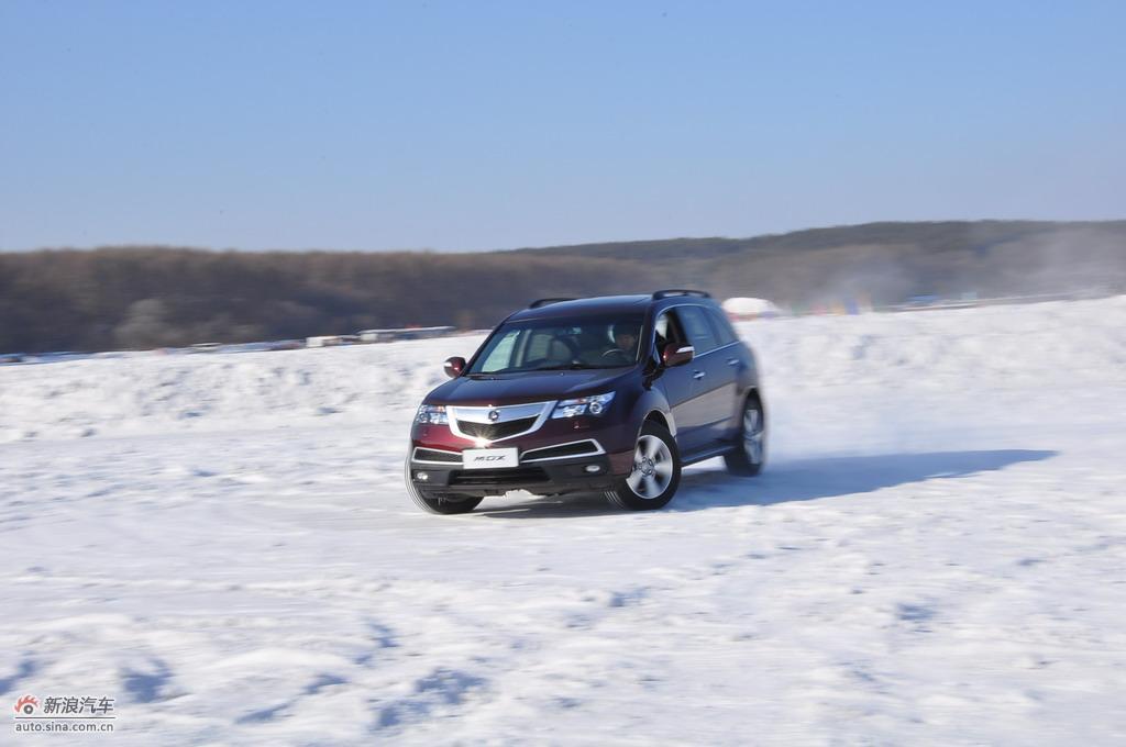 2010款MDX试车实拍图