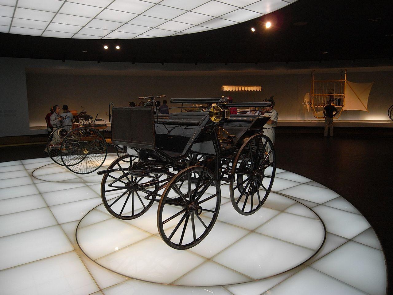 奔驰汽车博物馆