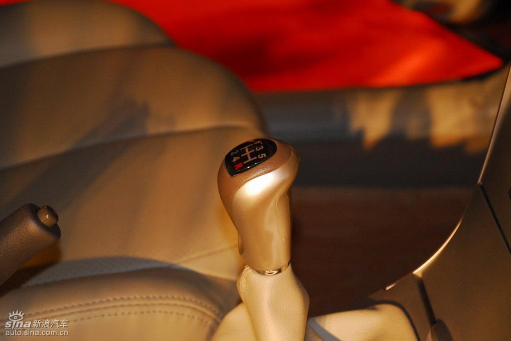 比亚迪G3上市现场新车内饰图 182 240高清图片