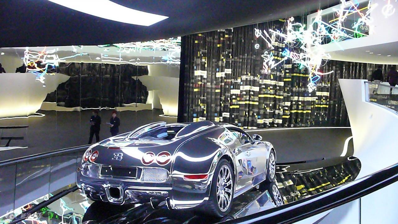 Bugatti Veyron 16.4 Grand Sport外观实拍