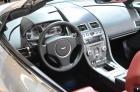 阿斯顿马丁V8-VANTAGE敞篷版