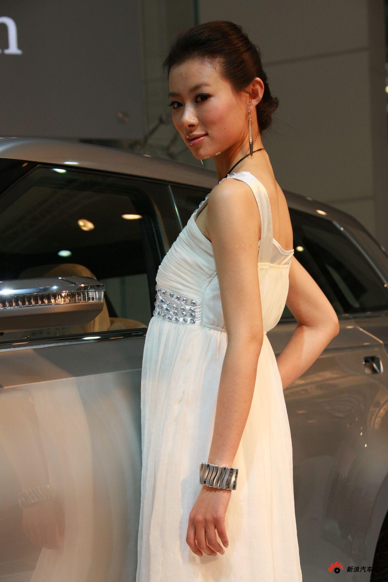 三菱展台3号模特