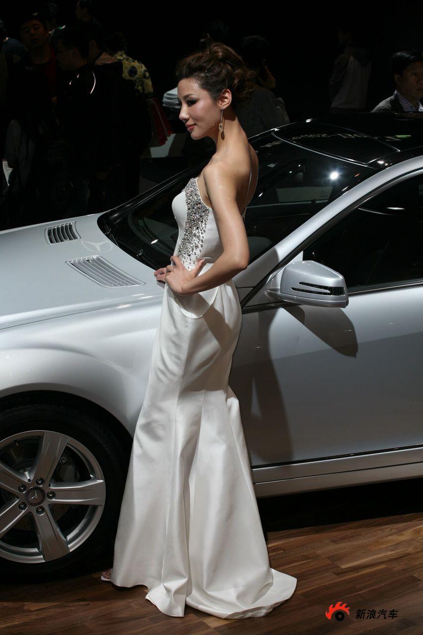 奔驰展台3号模特
