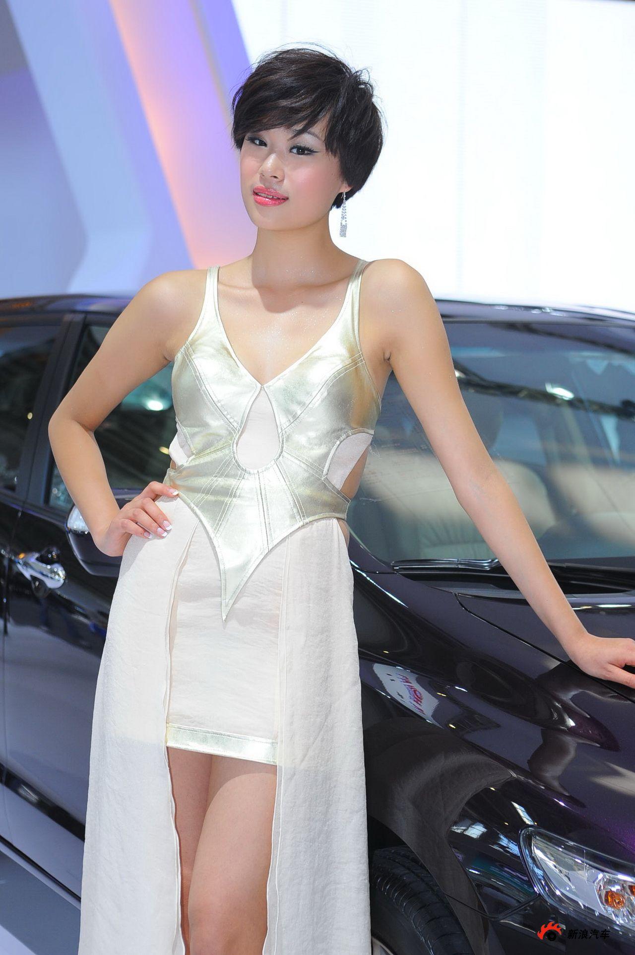 广汽展台2号模特