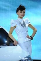 荣威展台2号模特