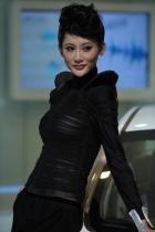 荣威展台4号模特