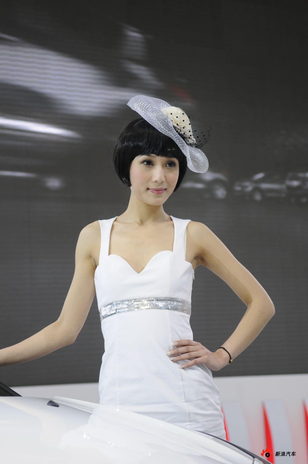 雪铁龙展台3号模特