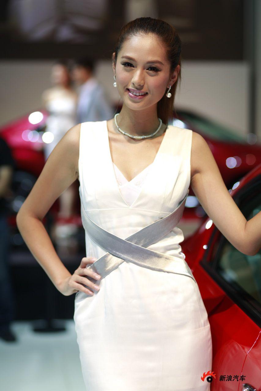 2010成都车展模特靓照图片