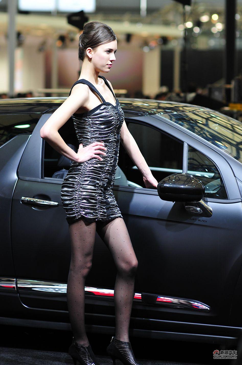 雪铁龙展台1号模特