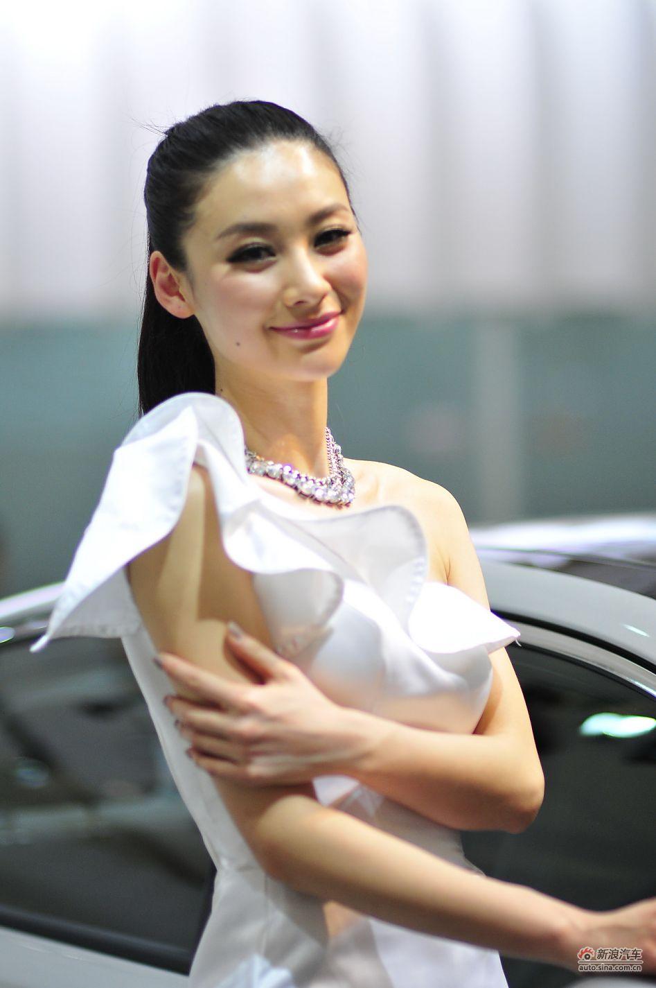 起亚展台10号模特