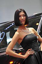 奔驰展台5号模特