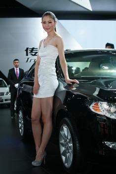 2011广州车展美腿车模_2