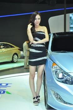 2011广州车展美腿车模_1