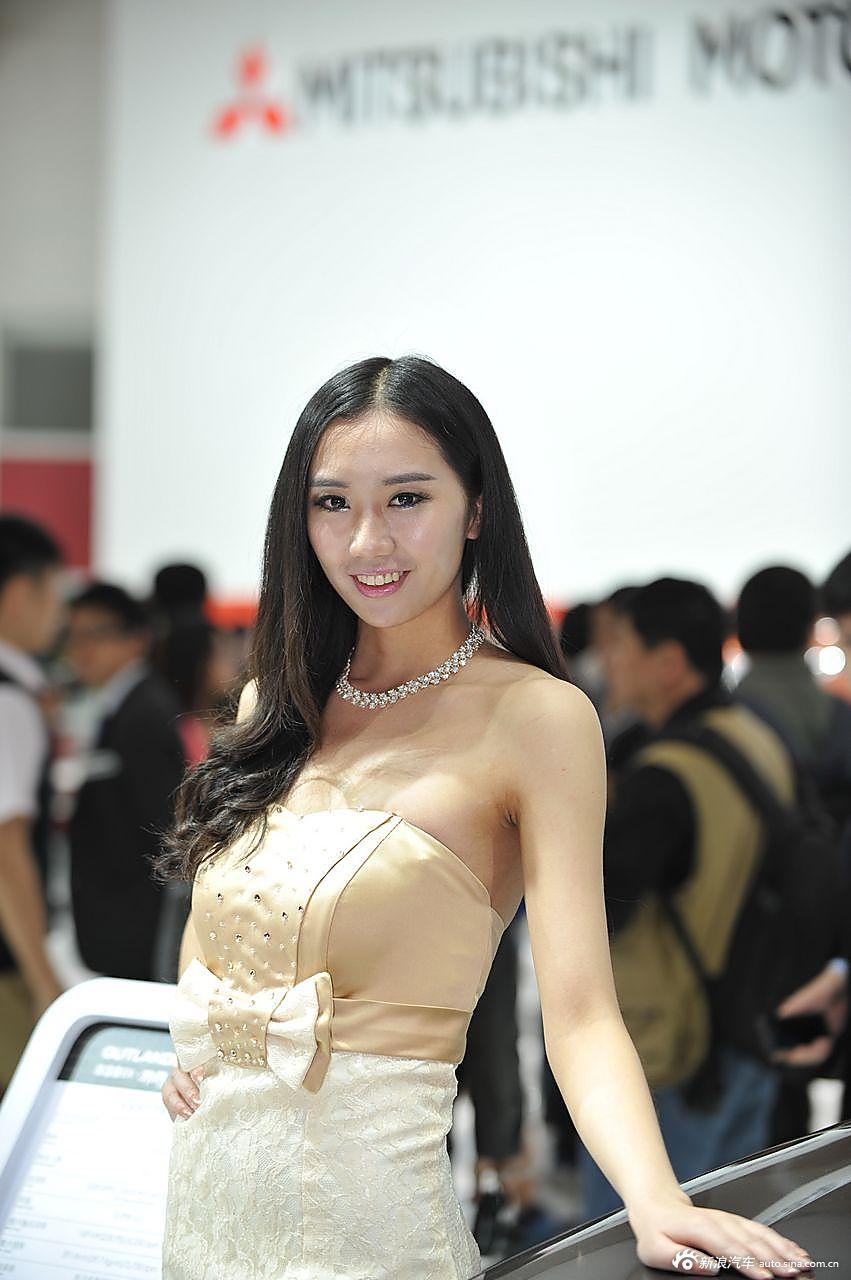 三菱展台6号模特