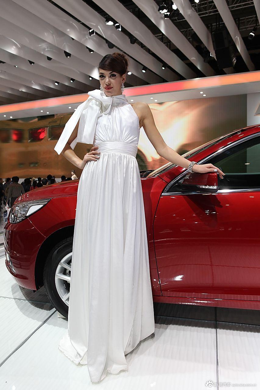众泰展台2号模特