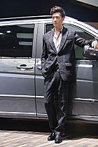 奔驰展台2号模特