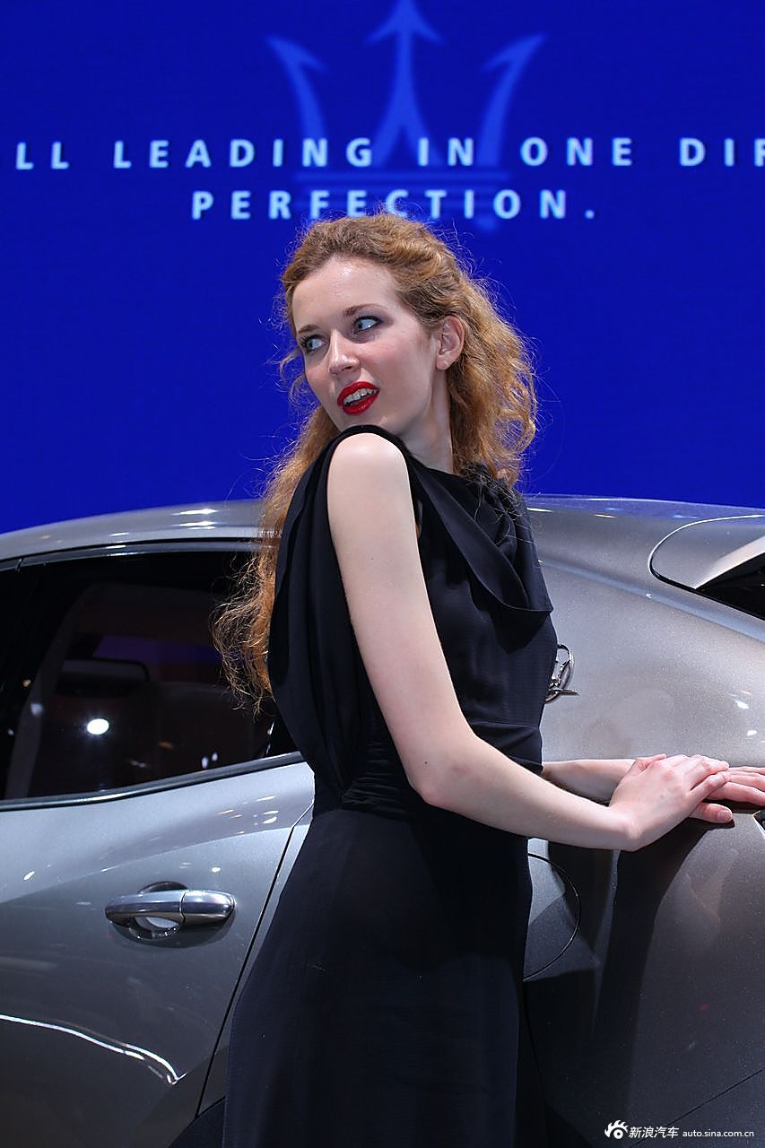 玛莎拉蒂展台2号模特