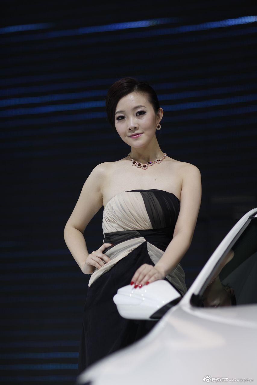 北京汽车展台1号模特