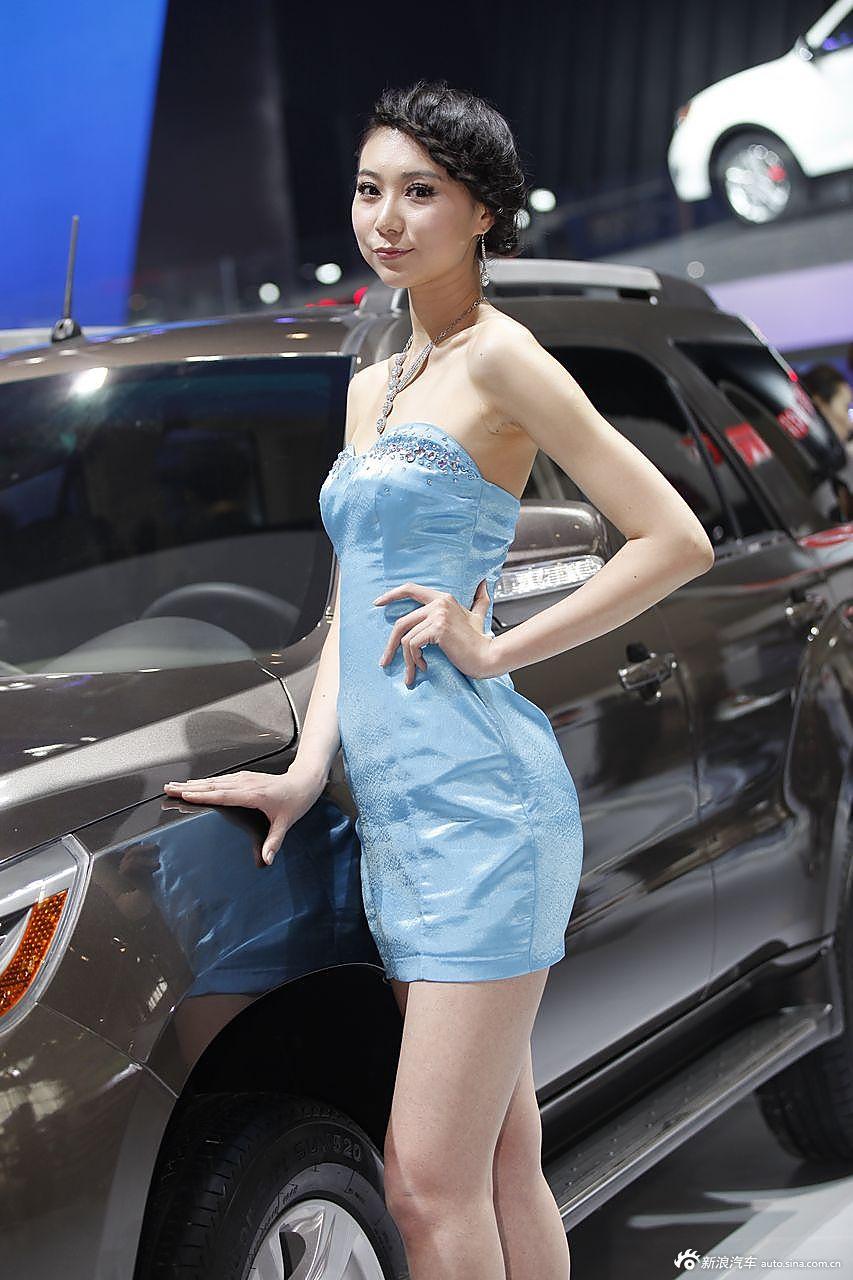 广汽传祺展台1号模特
