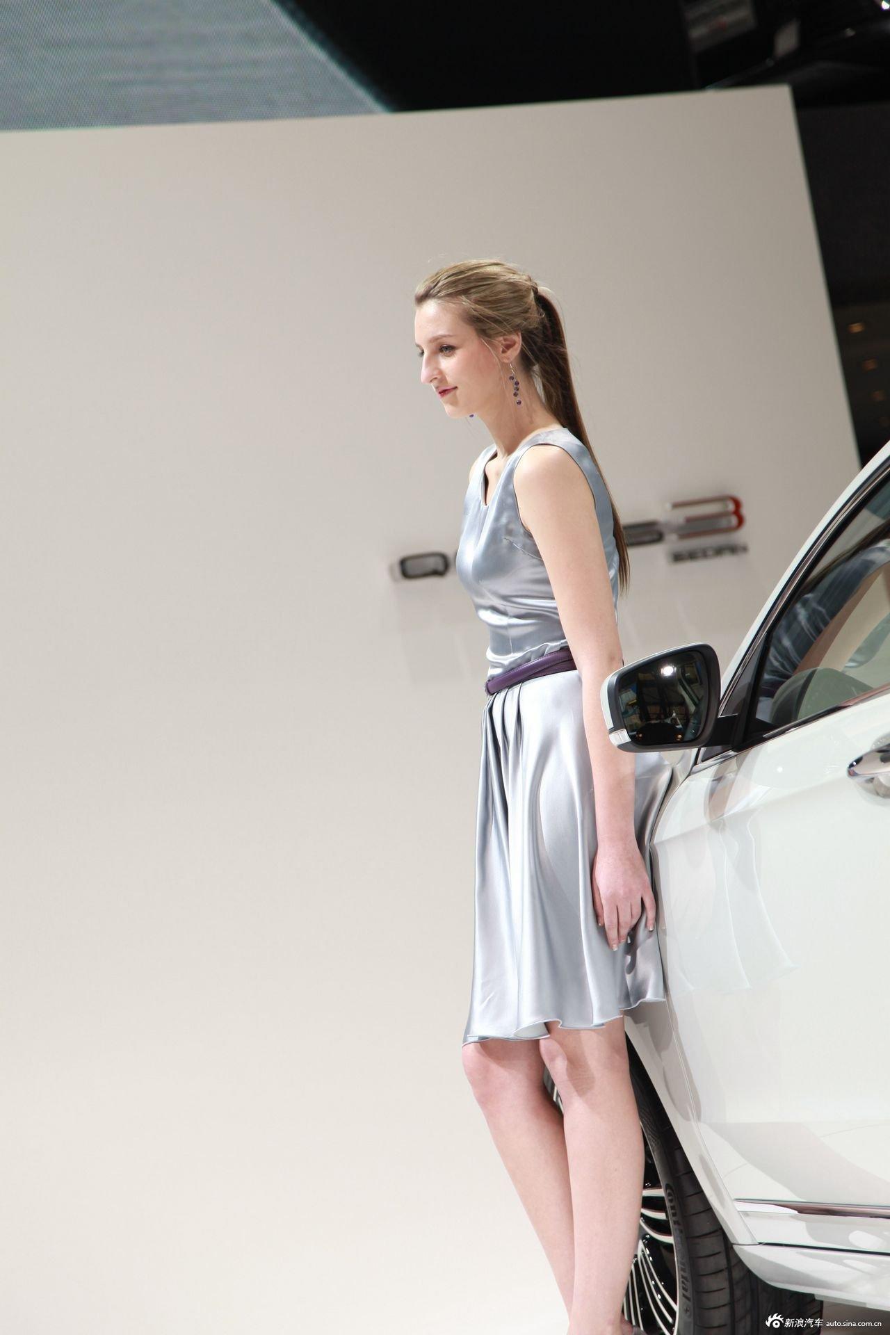 观致 汽车3号模特高清图片