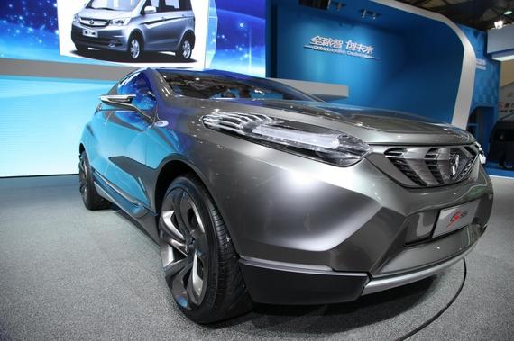 长安汽车李伟 长安将展小型SUV和全新MPV高清图片