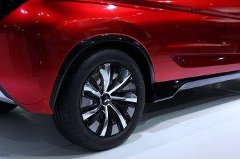 2014款三菱XR-PHEV概念车